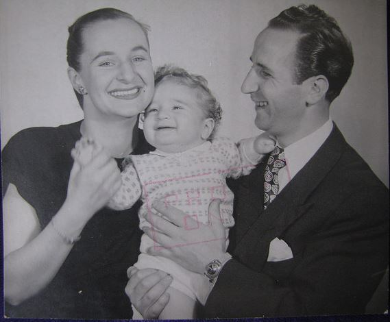 pnina-and-gerszon-gary-berkman-with-son-mark-melbourne-1950